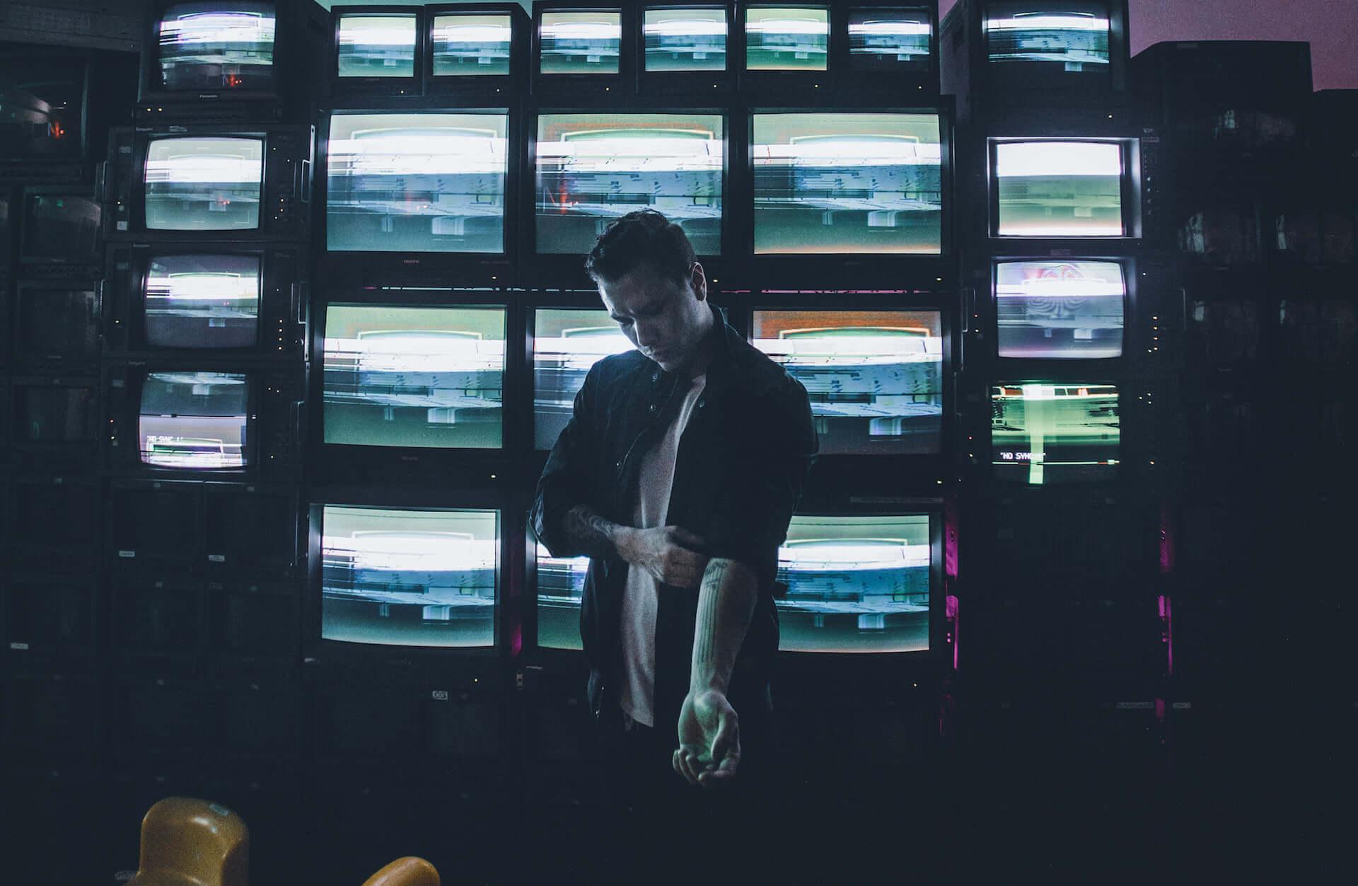 <EDC Las Vegas 2019>で華々しいデビューを飾った新鋭プロデューサー・DILLON NATHANIELが<EDGE HOUSE>に登場 music190803_edgehouse_dillonnathaniel_main.jpg-1920x1252