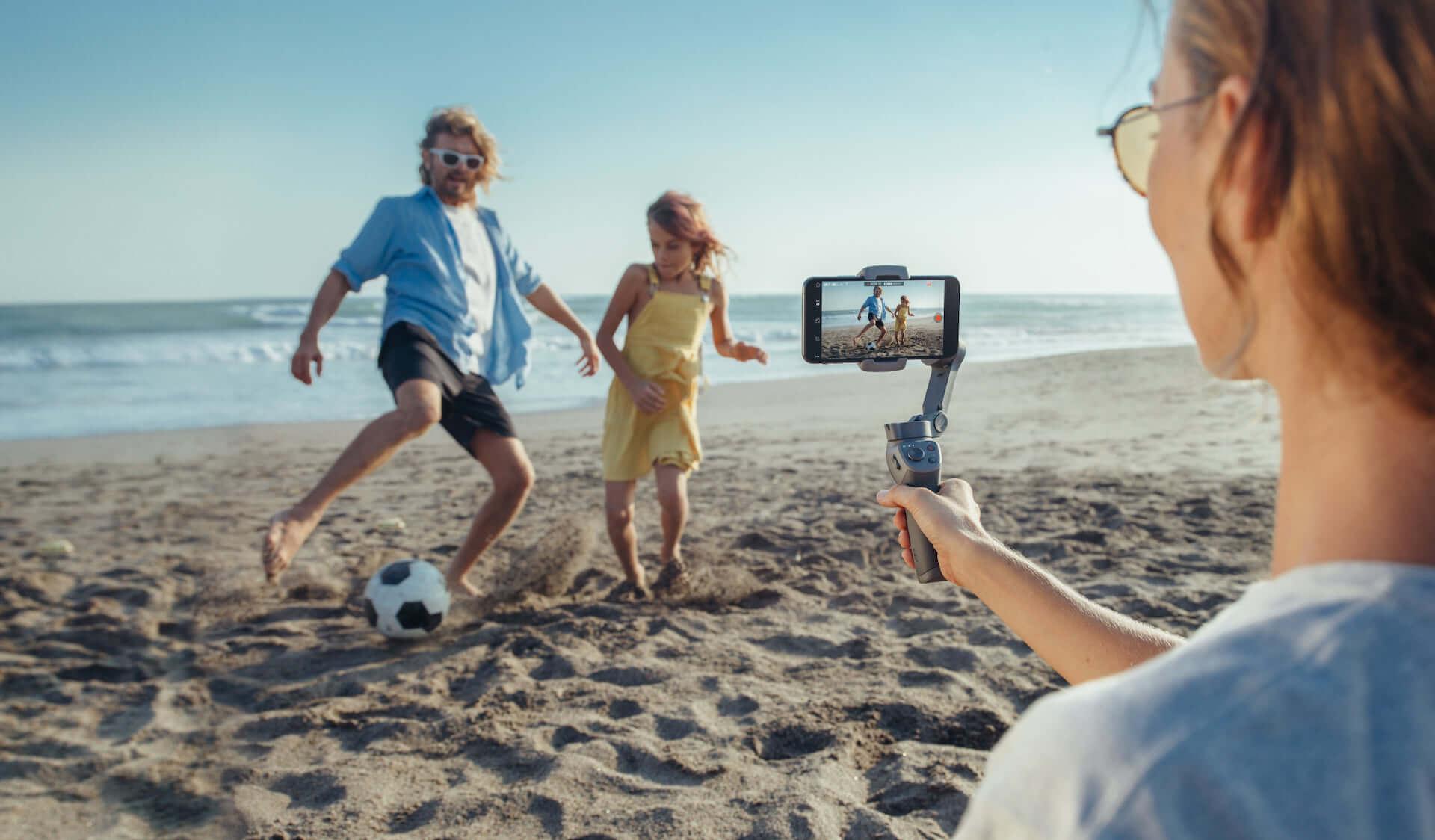 プロ並みの映像が撮れるかも!?DJI「Osmo Mobile 3」が登場|多機能な折りたたみ式スマホ用スタビライザー technology190814osmomobile_2-1920x1124