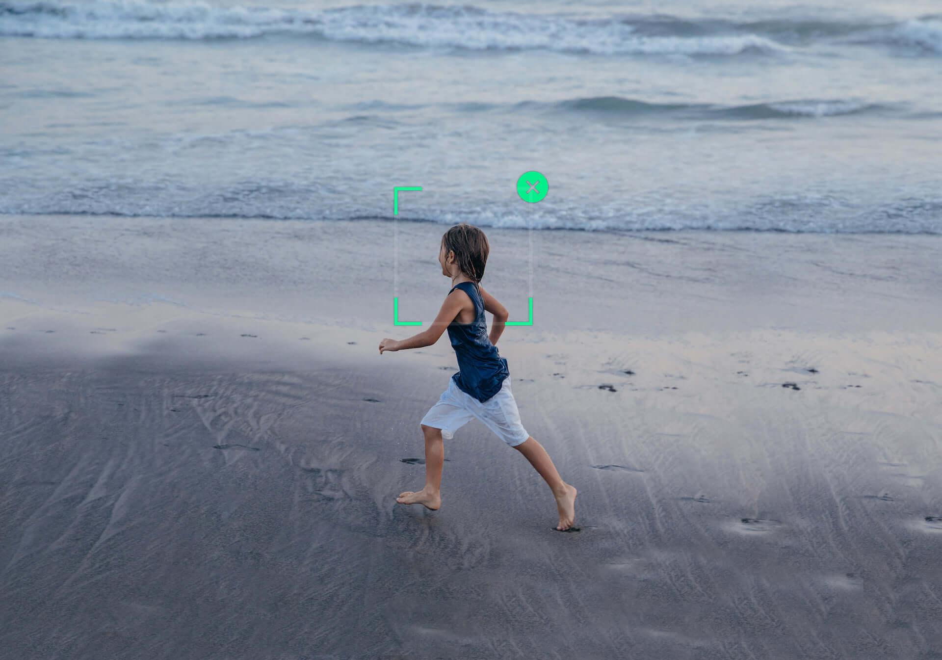 プロ並みの映像が撮れるかも!?DJI「Osmo Mobile 3」が登場|多機能な折りたたみ式スマホ用スタビライザー technology190814osmomobile_7-1920x1345
