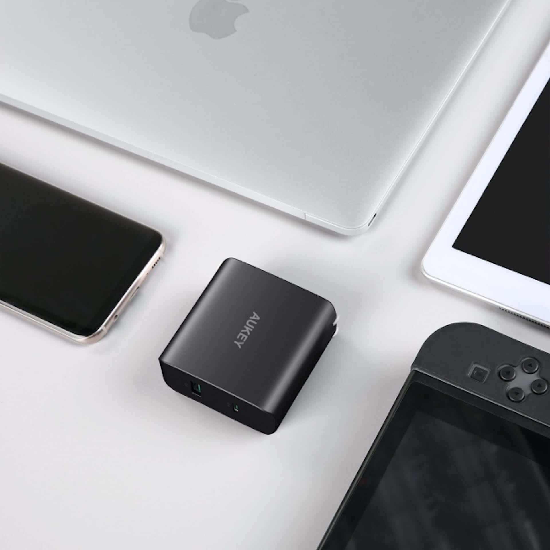 これ一つでスマホもPCも急速充電!AUKEY、USB-CとUSB-Aに対応する充電器「PA-Y10」が20%オフで販売 technology190815aukey-ac_1-1920x1920