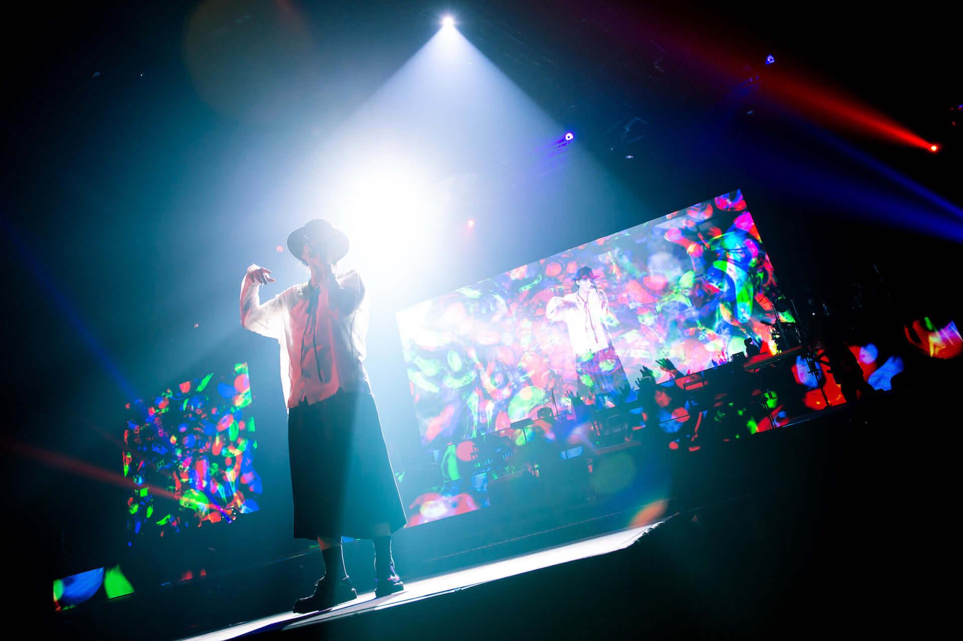 RADWIMPS横浜アリーナ公演のライブ写真が公開!<ANTI ANTI GENERATION TOUR 2019>レポート music190830_radwimps_live_27-1920x1278