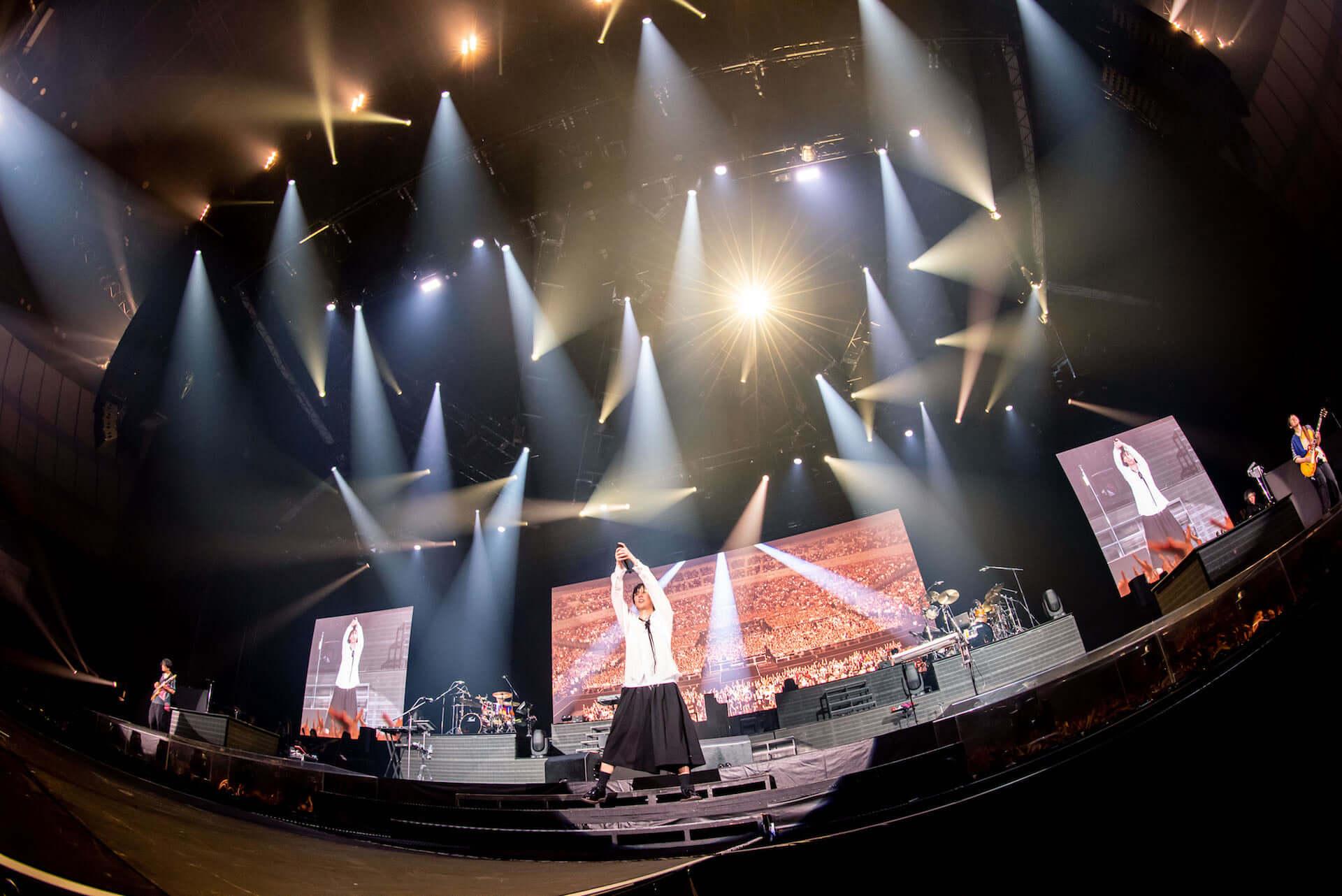 RADWIMPS横浜アリーナ公演のライブ写真が公開!<ANTI ANTI GENERATION TOUR 2019>レポート music190830_radwimps_live_4-1920x1282