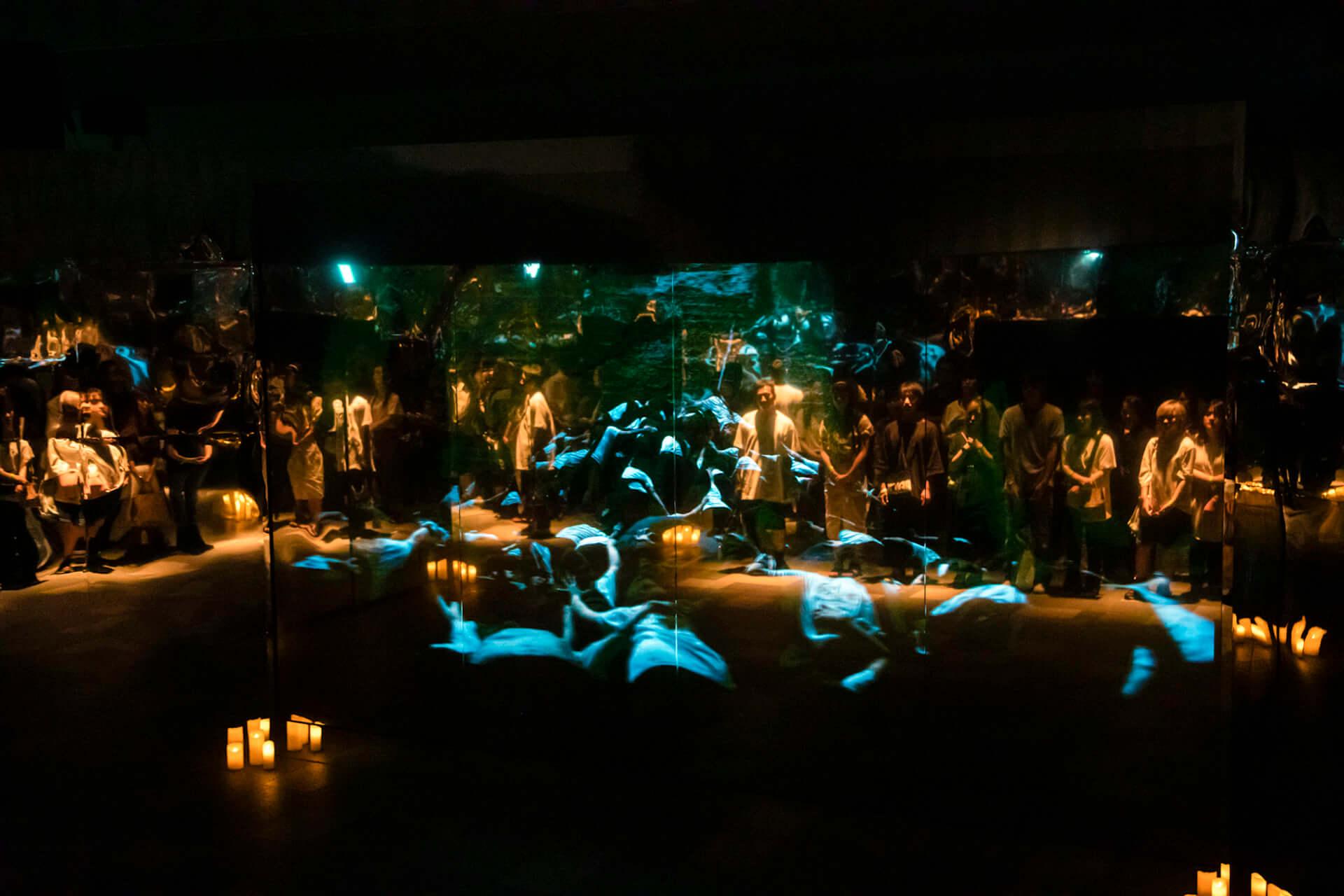 米津玄師「馬と鹿」MV、ついに解禁|<鏡の上映会>で観客とひとつに music190903_yonezukenshi_mv_3-1920x1280