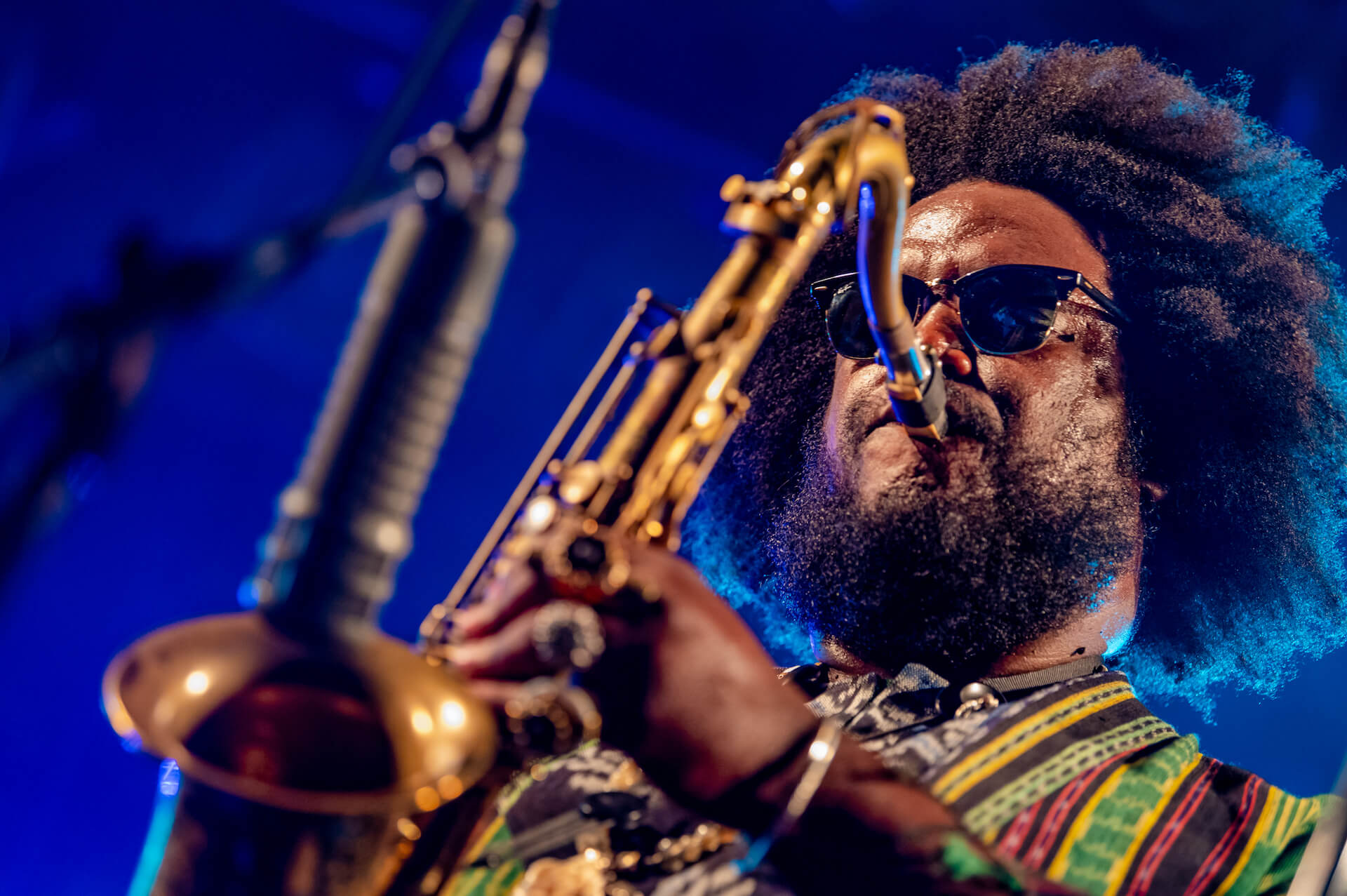 Kamasi Washington ライブレポート|「ブラック・エンターテインメント」の伝統を今に受け継ぐ見事なショウ music190903-kamasiwashington-2