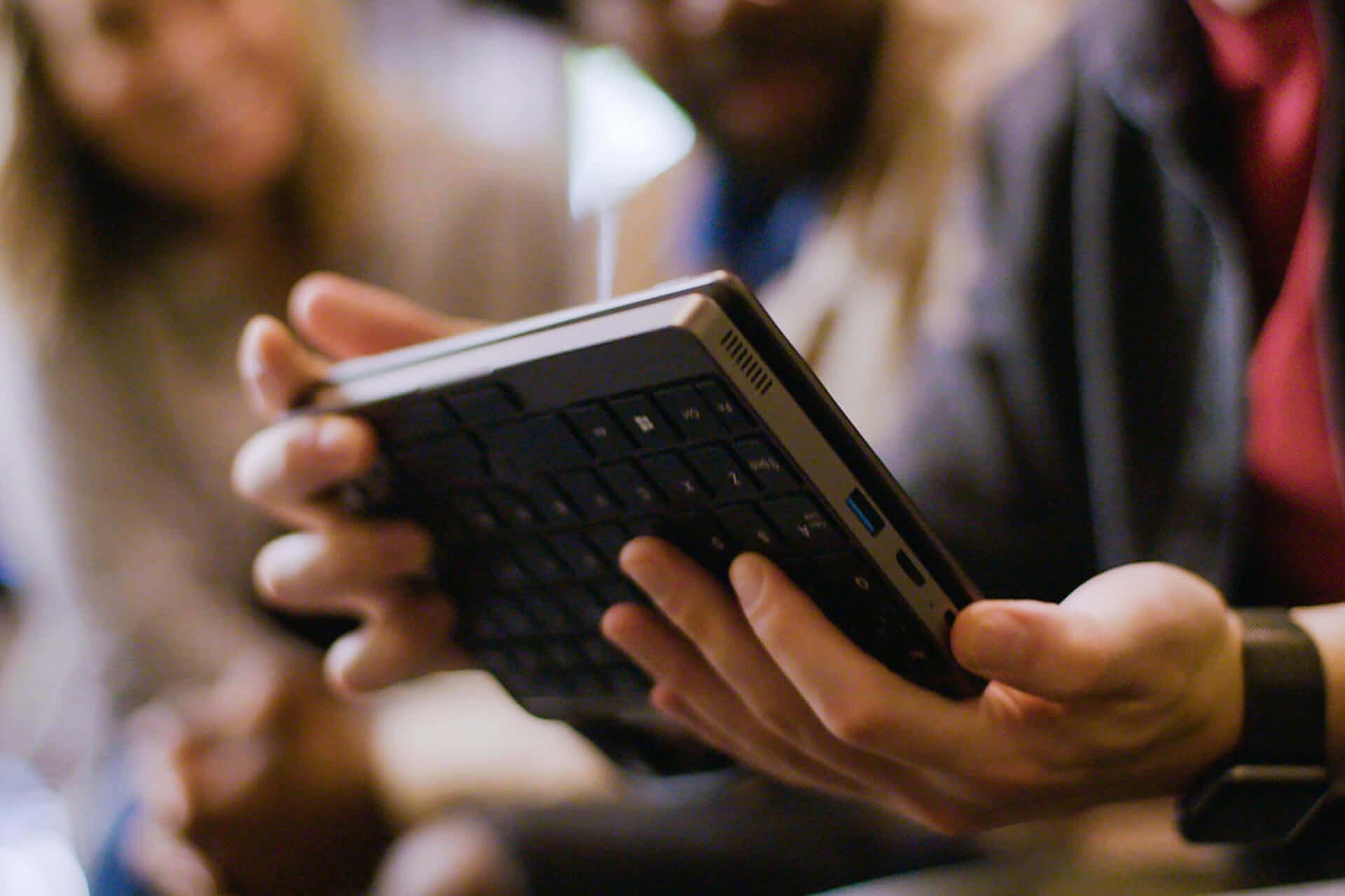 ポケットから出てくるのは手のひらサイズのPC!?クラウドファンディングにミニPC「MiniBook」登場 tech190912_minibook_2-1920x1280