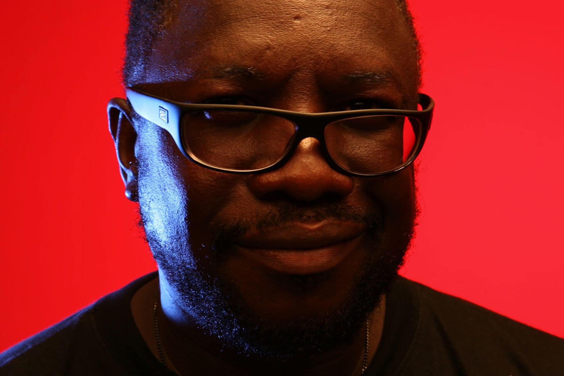 Massive Attackのダブ・リミックスでお馴染みのMad Professorが10月来日、神業ライヴ・ダブ・ミックスを披露 共演にSILENT POETS music190913-madprofessor-2