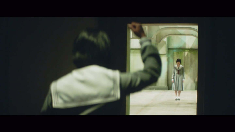 欅坂46、平手友梨奈のソロ曲、映画「響 -HIBIKI-」の主題歌「角を曲がる」のMVが公開 27-1440x810