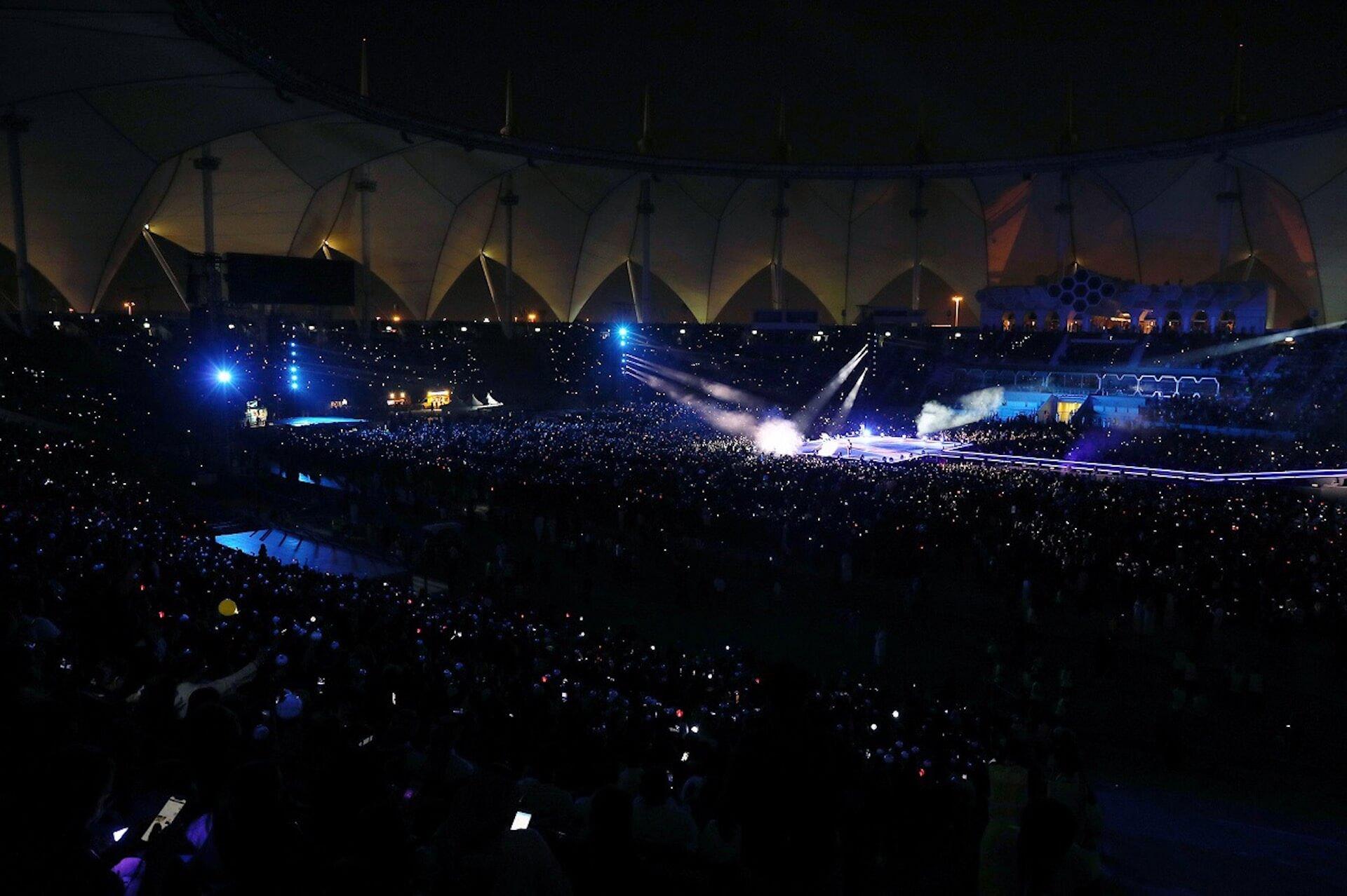 BTS、海外アーティスト初サウジアラビアのスタジアム単独コンサート開催!全世界のファンと一つになった歴史的瞬間 music191011-bts-2