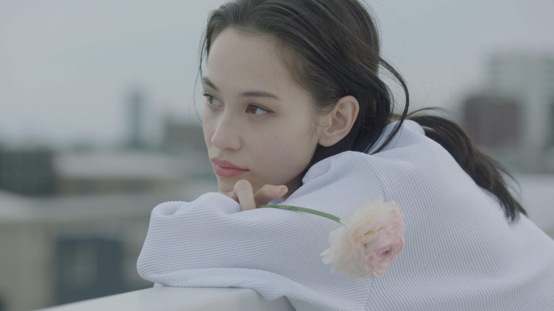水原希子が誕生日前日にスタイリッシュなブラ姿を披露!ワコール『朝の谷間、ながもち、リボンブラ。』新動画公開 art191015_mizuharakiko_wacole_8