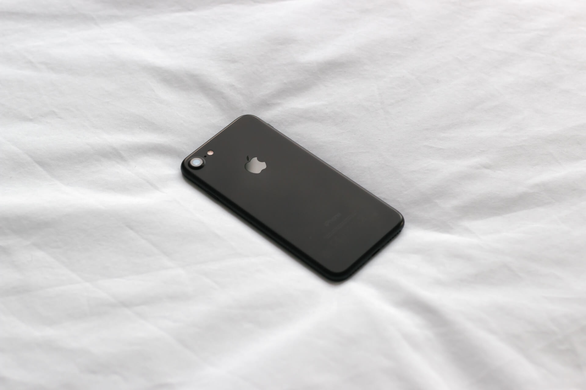 来年発売とうわさのiPhone SE 2はiPhone 8と同様のデザインに?著名アナリストが発表 tech191015_iphonese2_main