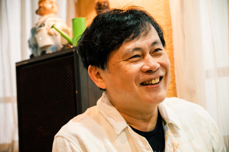 ヒカシュー40周年を経て巻上公一が語る「世界をめぐる活動意義」。初フェス熱海未来音楽祭についても! interview190917_hikashu_makigami_61844-fix-1440x958