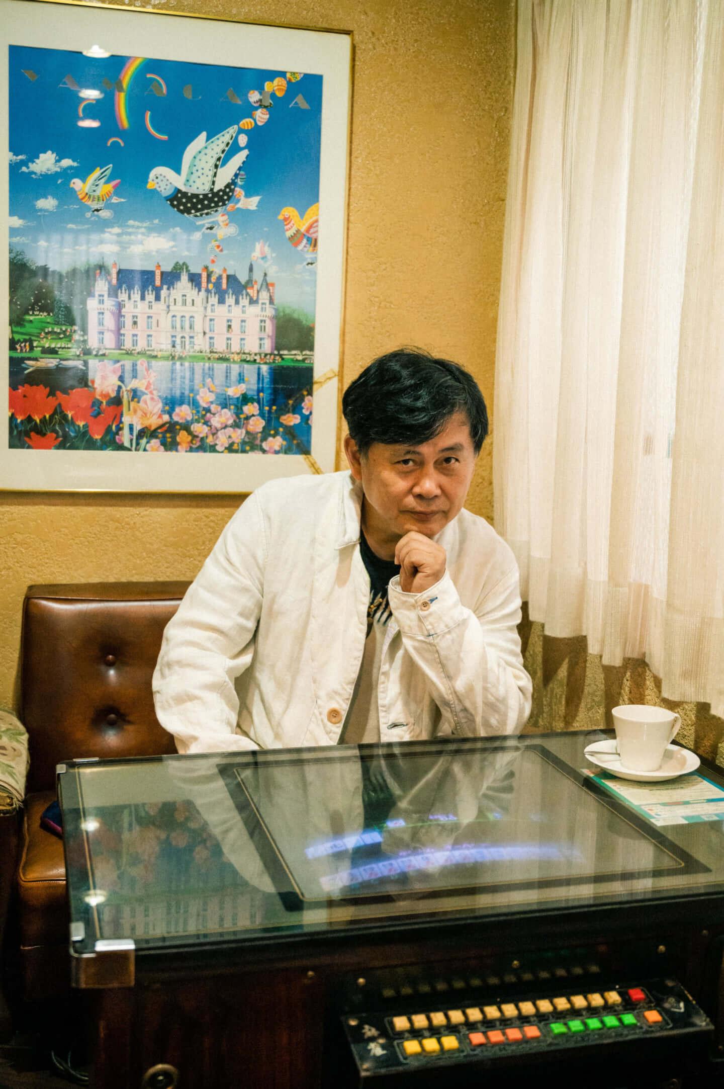 ヒカシュー40周年を経て巻上公一が語る「世界をめぐる活動意義」。初フェス熱海未来音楽祭についても! interview190917_hikashu_makigami_61972-fix-1440x2165
