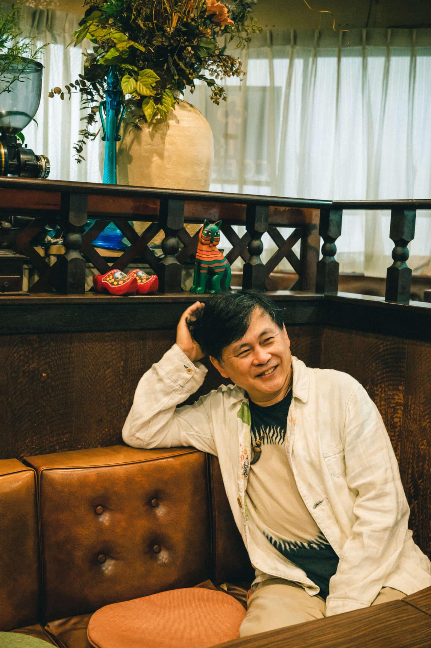ヒカシュー40周年を経て巻上公一が語る「世界をめぐる活動意義」。初フェス熱海未来音楽祭についても! interview190917_hikashu_makigami_62000-fix-1440x2165