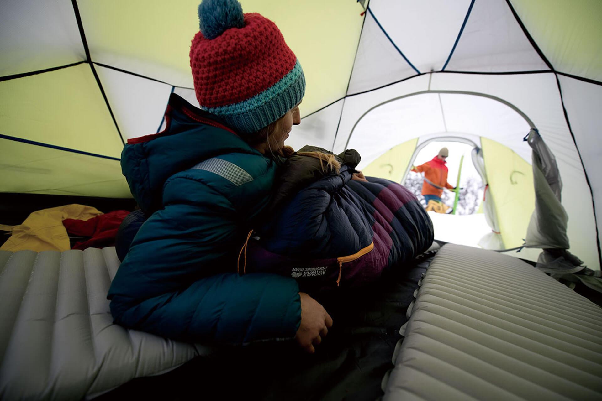 車中泊やキャンプに便利なアイテム15選! 人気シェラフや防寒グッズなど厳選ピックアップ 6-3