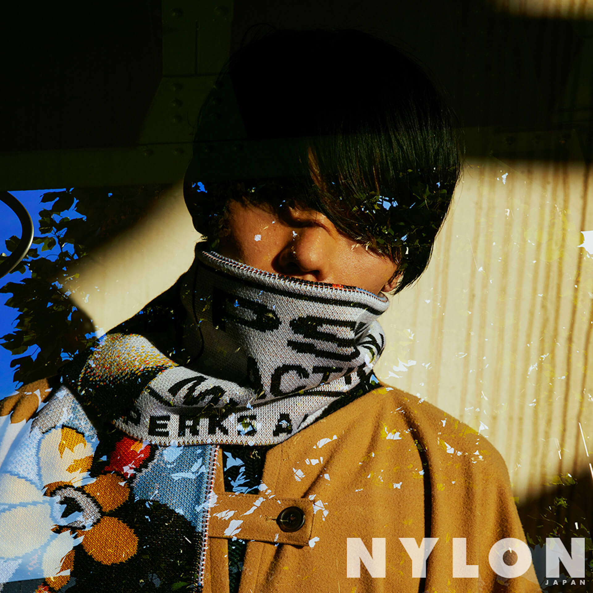 力強い視線にくぎ付け…NYLON JAPAN12月号カバーガールに上白石萌歌&guysに高良健吾が初登場! lifeandfashion191023_nylonmoka_06