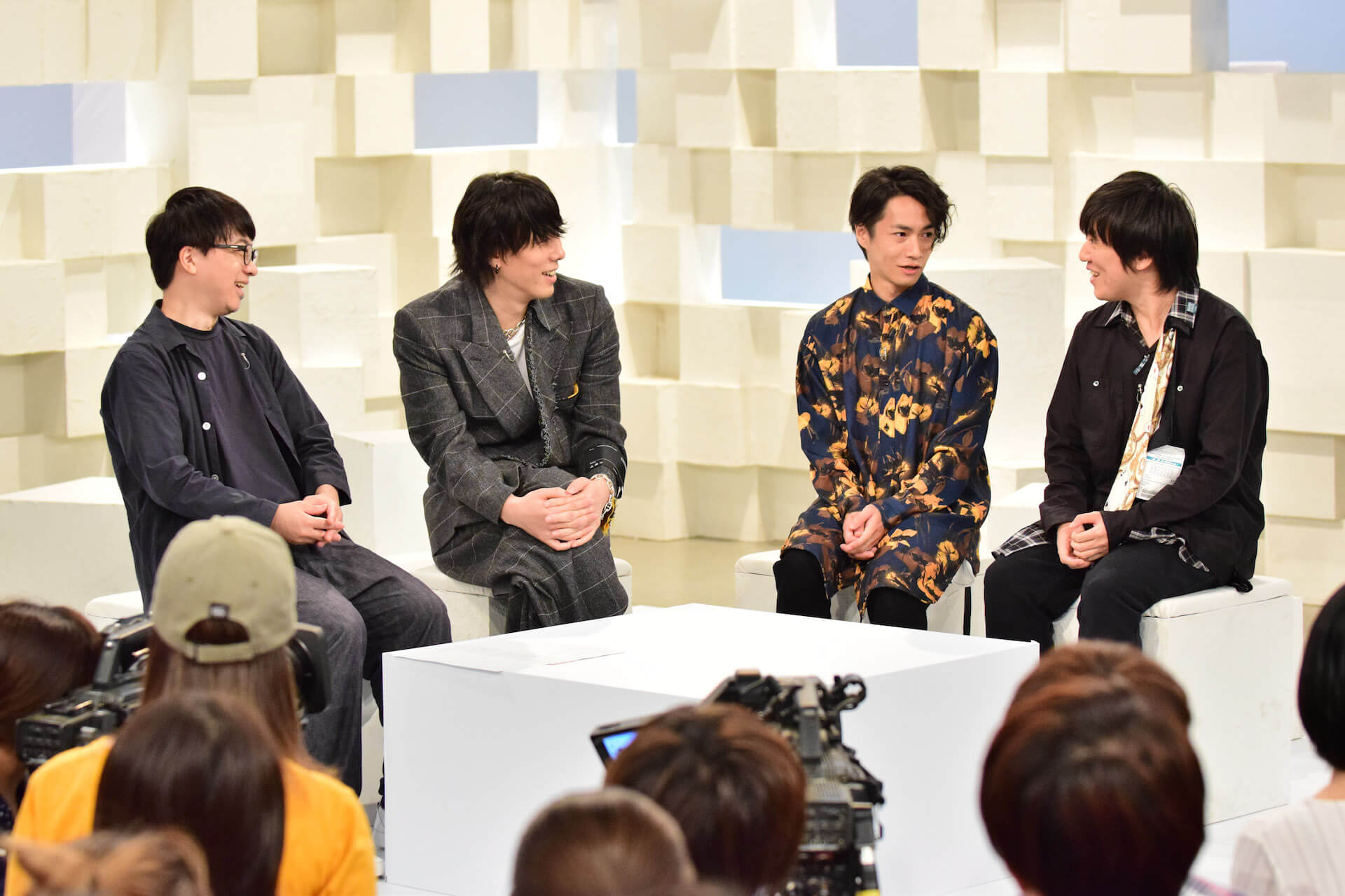 RADWIMPS、NHK総合にて「天気の子」特集番組の放送が決定!4曲のパフォーマンスを披露 art191023_radwimps_nhk_1