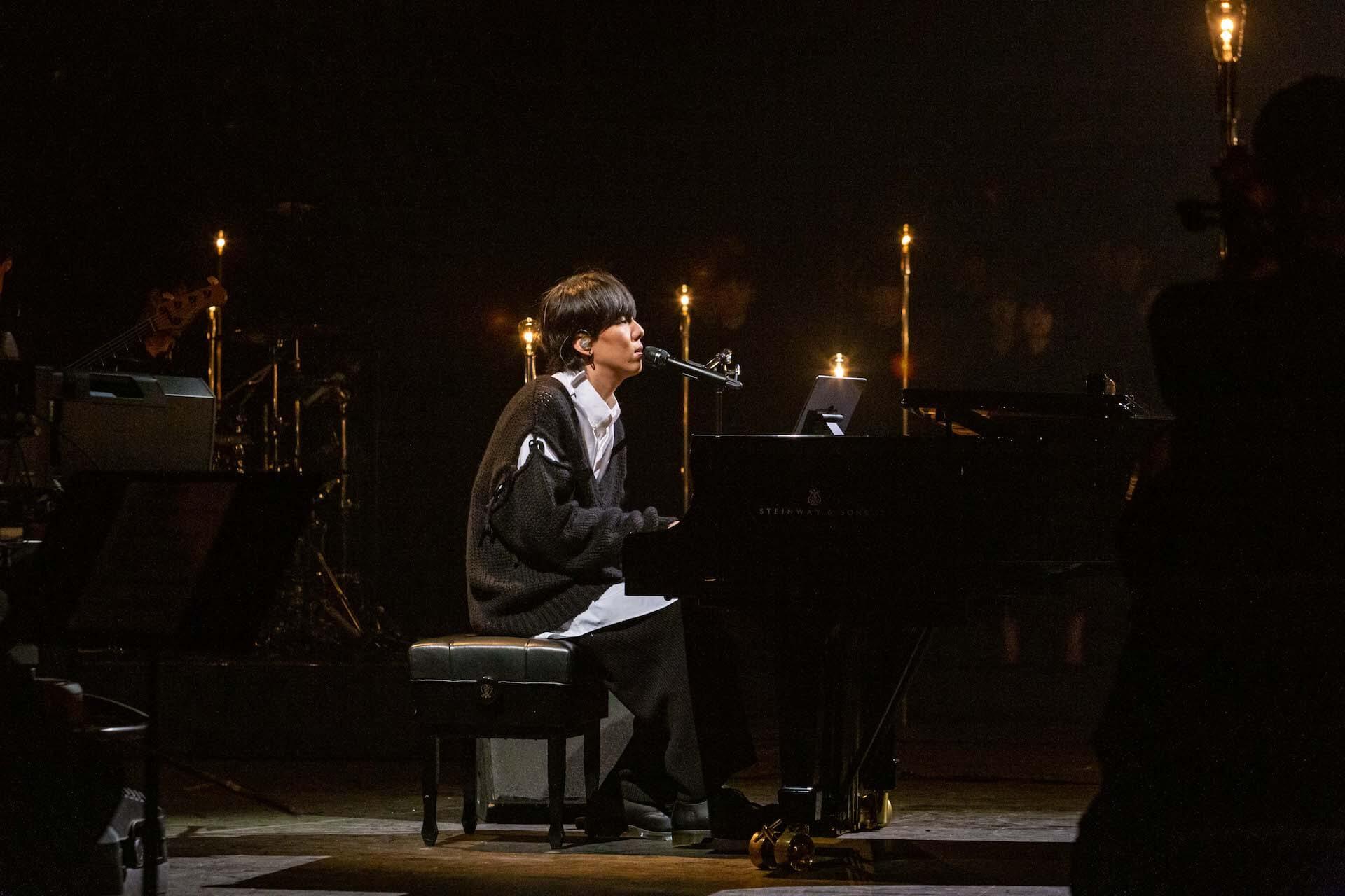 RADWIMPS、NHK総合にて「天気の子」特集番組の放送が決定!4曲のパフォーマンスを披露 art191023_radwimps_nhk_3