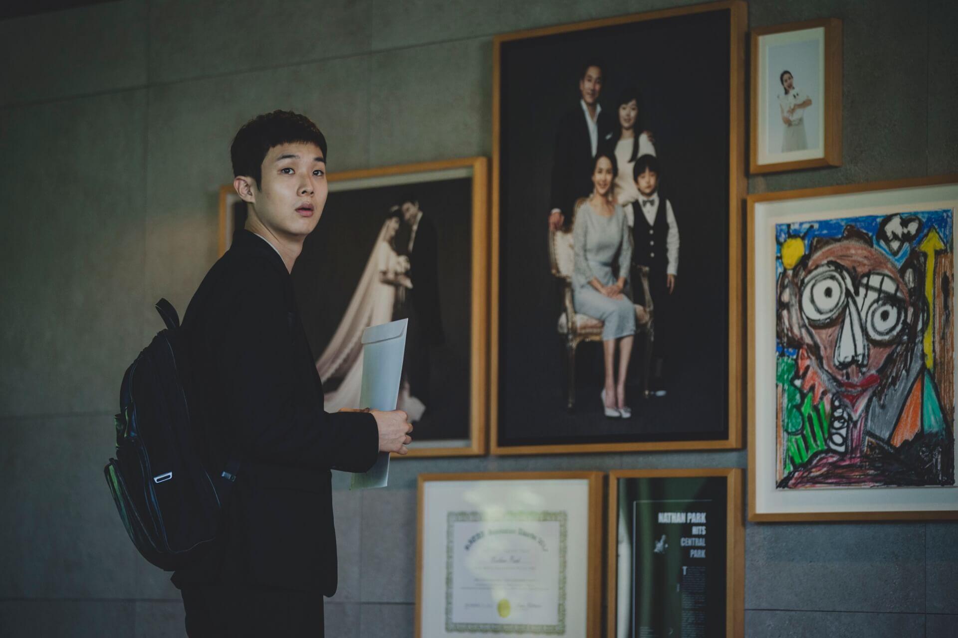 『パラサイト 半地下の家族』に日本映画界の著名人も注目!是枝裕和、西川美和、李相日らからのコメントが到着 film191025_parasite_3