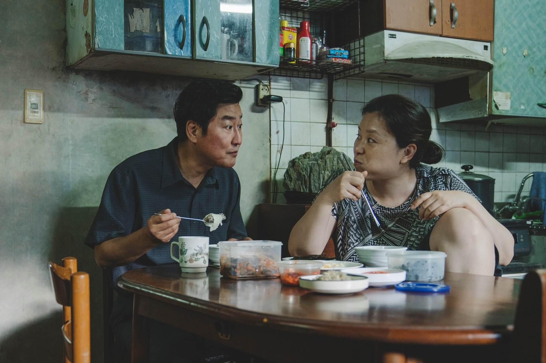 『パラサイト 半地下の家族』に日本映画界の著名人も注目!是枝裕和、西川美和、李相日らからのコメントが到着 film191025_parasite_main