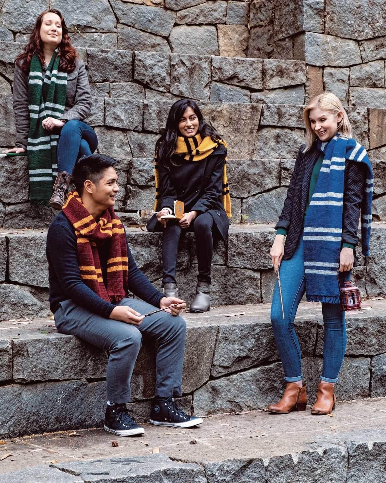 【超可愛い】ハリー・ポッターの公式編み物本が来年1月に発売 life-fashio191030-harry-potter-knitting-magic-1