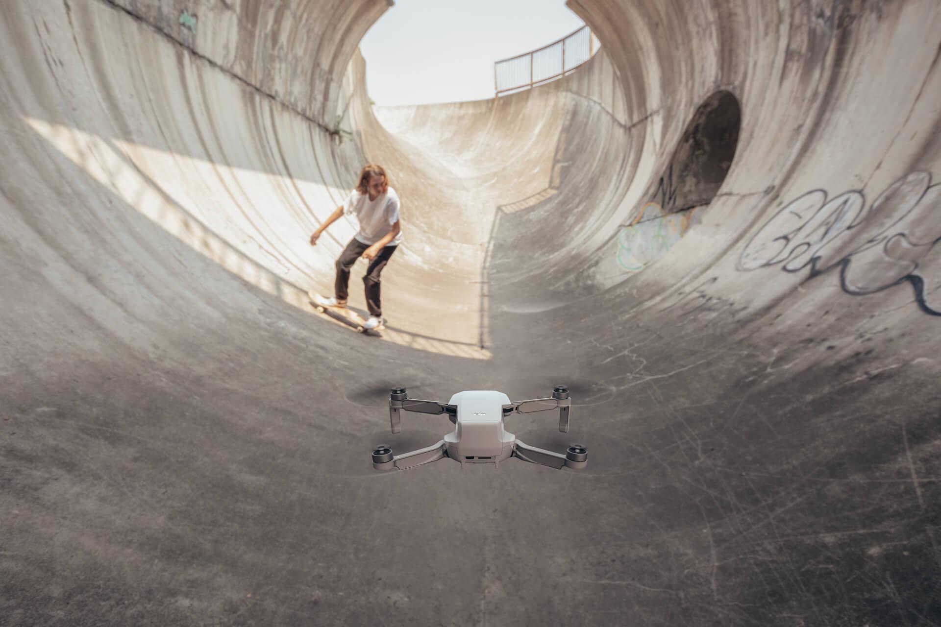 わずか199gと驚異のコンパクトさを誇る空飛ぶカメラ「DJI Mavic Mini」が登場!本日より予約受付開始 tech191031_mavicmini_main