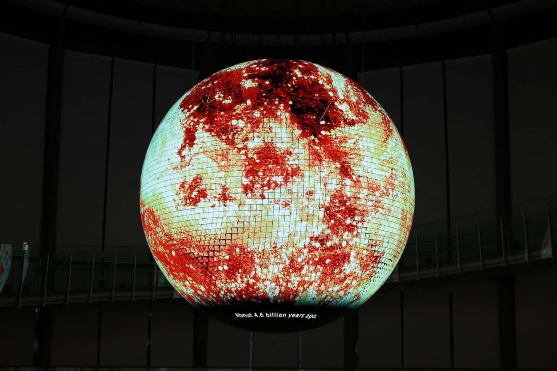 日本科学未来館で公開中の新映像作品『未来の地層 Digging the Future』に注目|環ROY & 鎮座DOPENESS + U-zhaanがラップで問いかける? art191001_diggingthefuture_4-1440x960