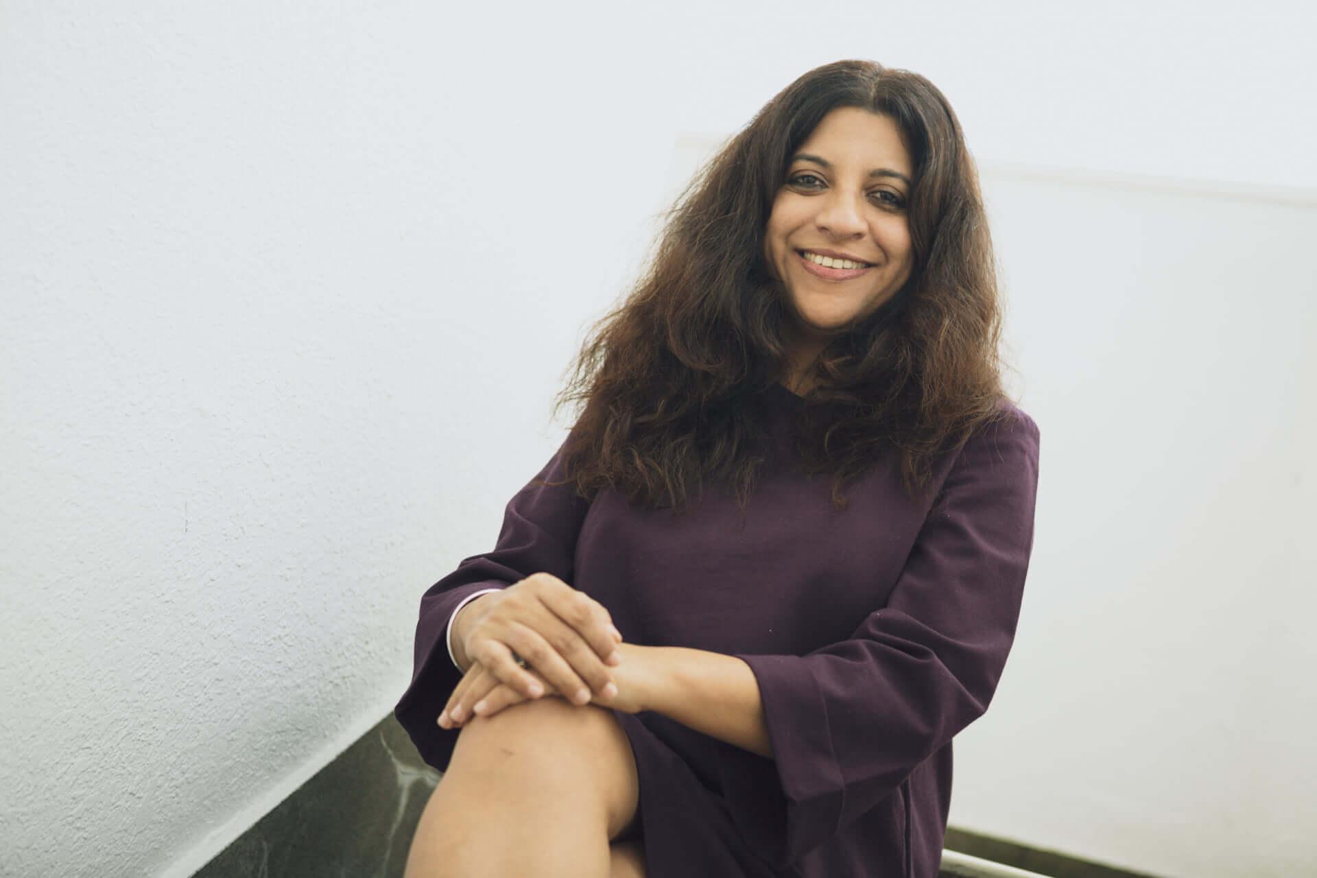 映画『ガリーボーイ』ゾーヤー・アクタル監督インタビュー|インドで誰もが共感するヒップホップ映画が誕生するまで interview1002_garryboy_3307-1920x1280