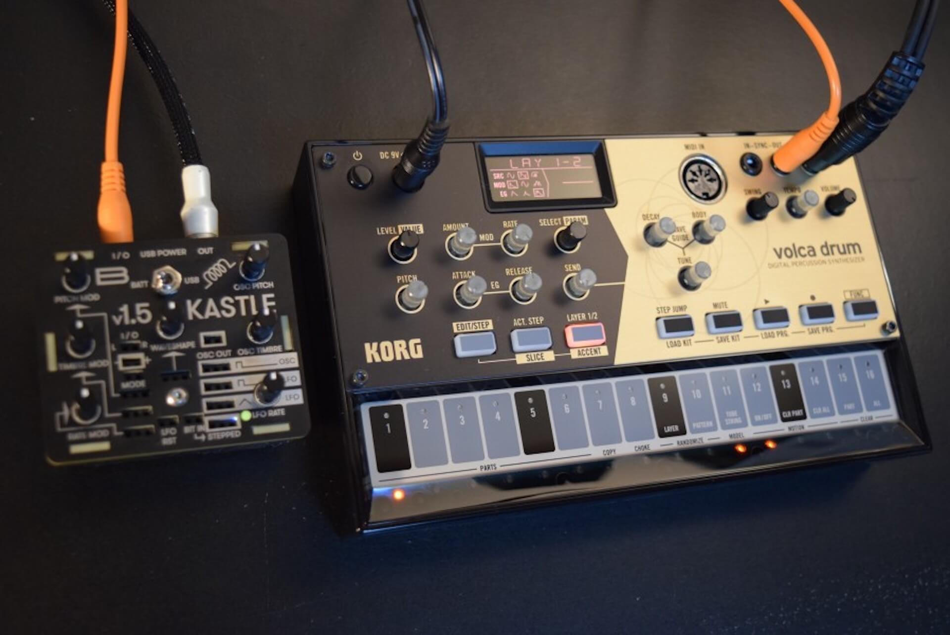 超小型モジュラー・シンセサイザー「KASTLE V1.5」のサウンドと魅力 fccbd6a92ff21d1c42d976f5540078eb