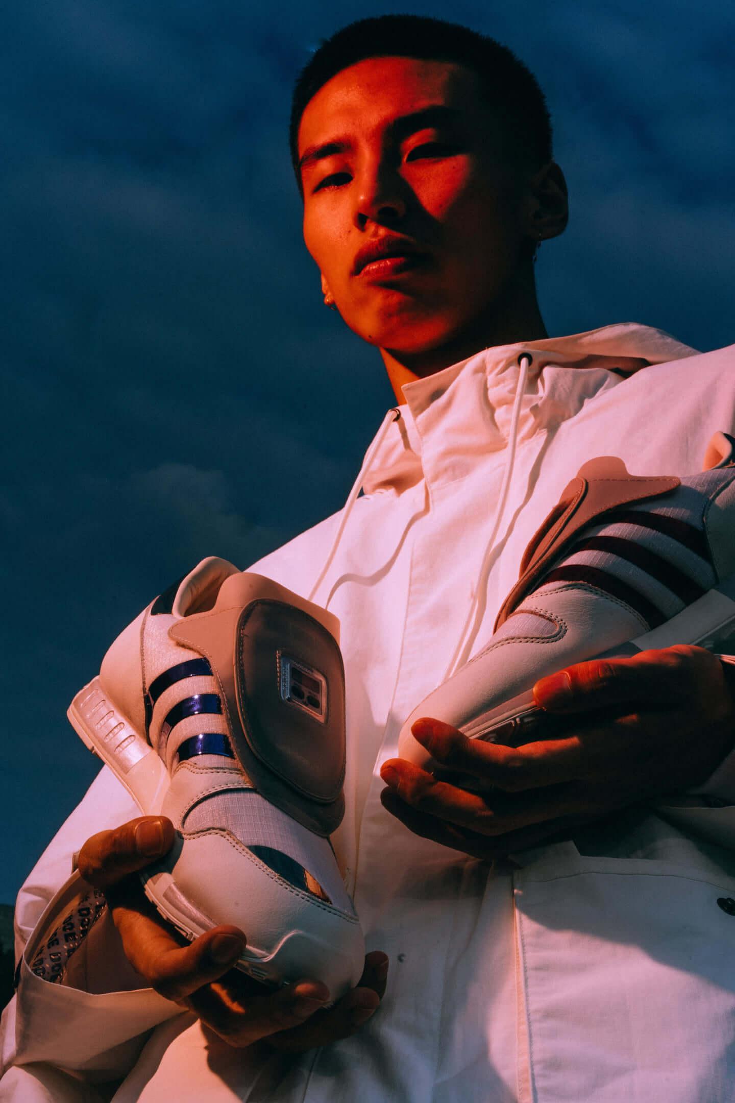 "atmosから近未来的なスニーカー、DOE × adidas ""ULTRABOOST 19"" が国内先行発売 DSC01022-1440x2160"