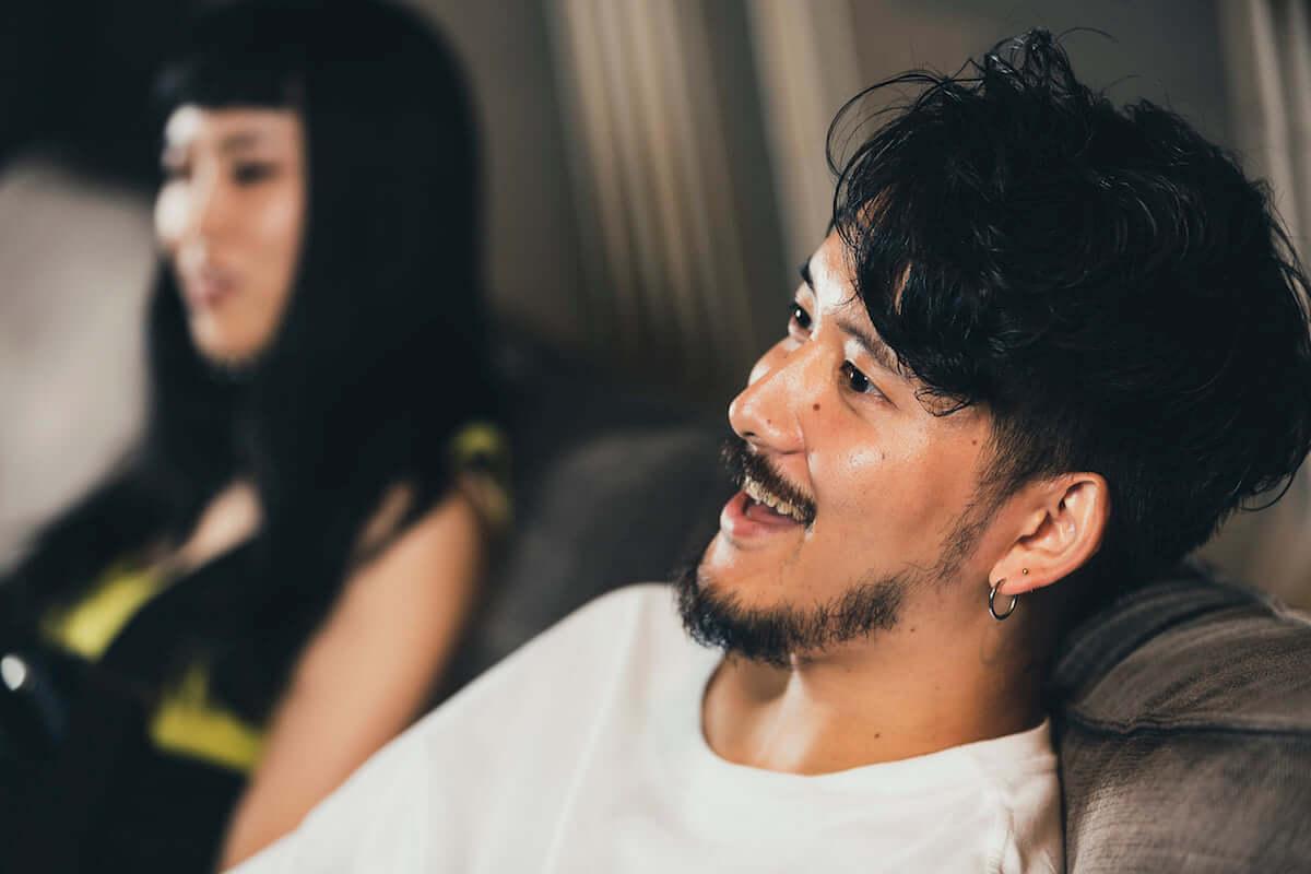 長塚健斗(WONK)&MALIYA対談|二人にとってのジ・インターネットという存在とは? interview181109_wonk-internet_07-1200x800
