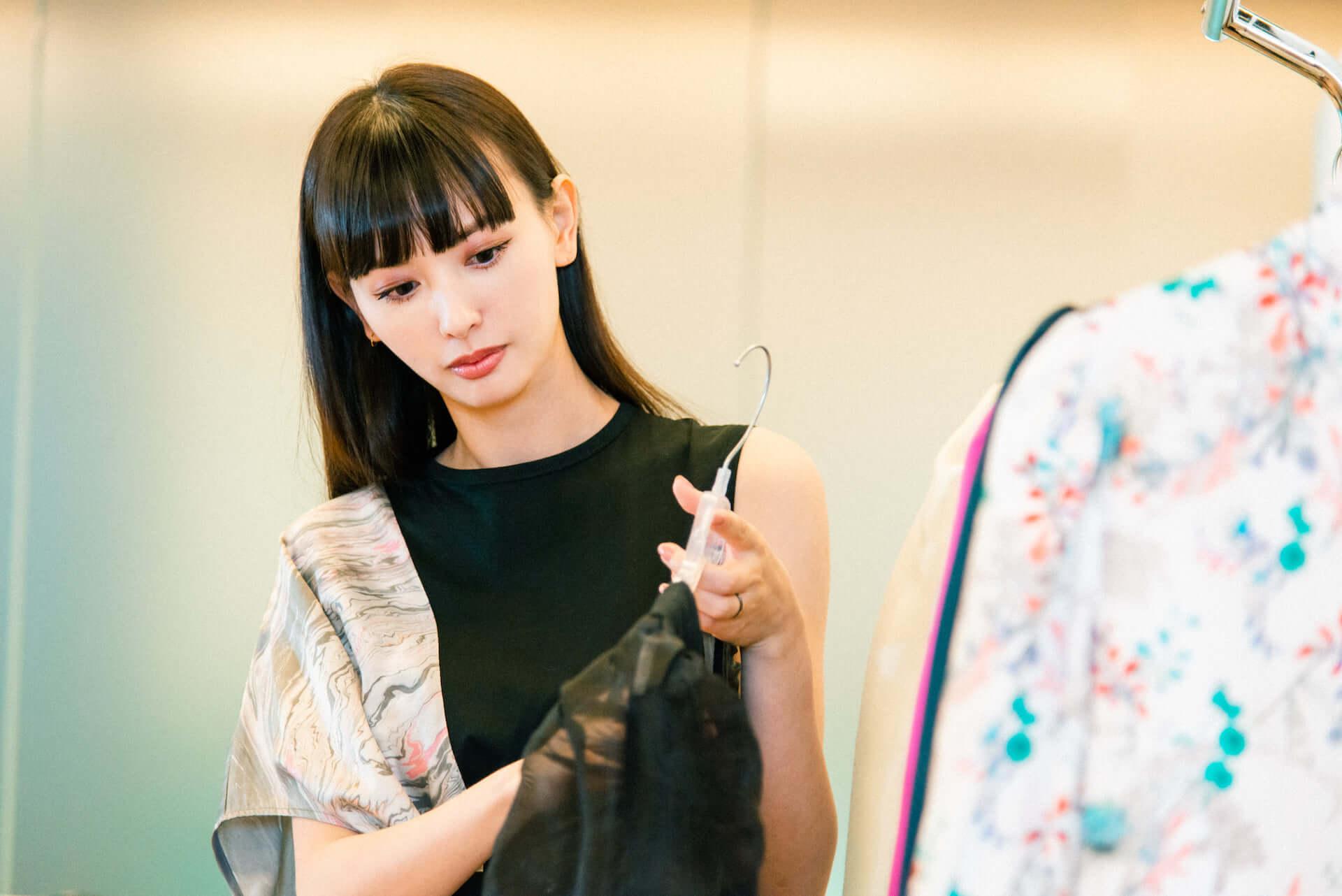 Amazon Fashionの新プログラム「The Drop」から鈴木えみが手がけるコレクションがローンチ!デザイナーとしての素顔に迫る interview1008_emisuzuki_3526-Edit-fix-1920x1282