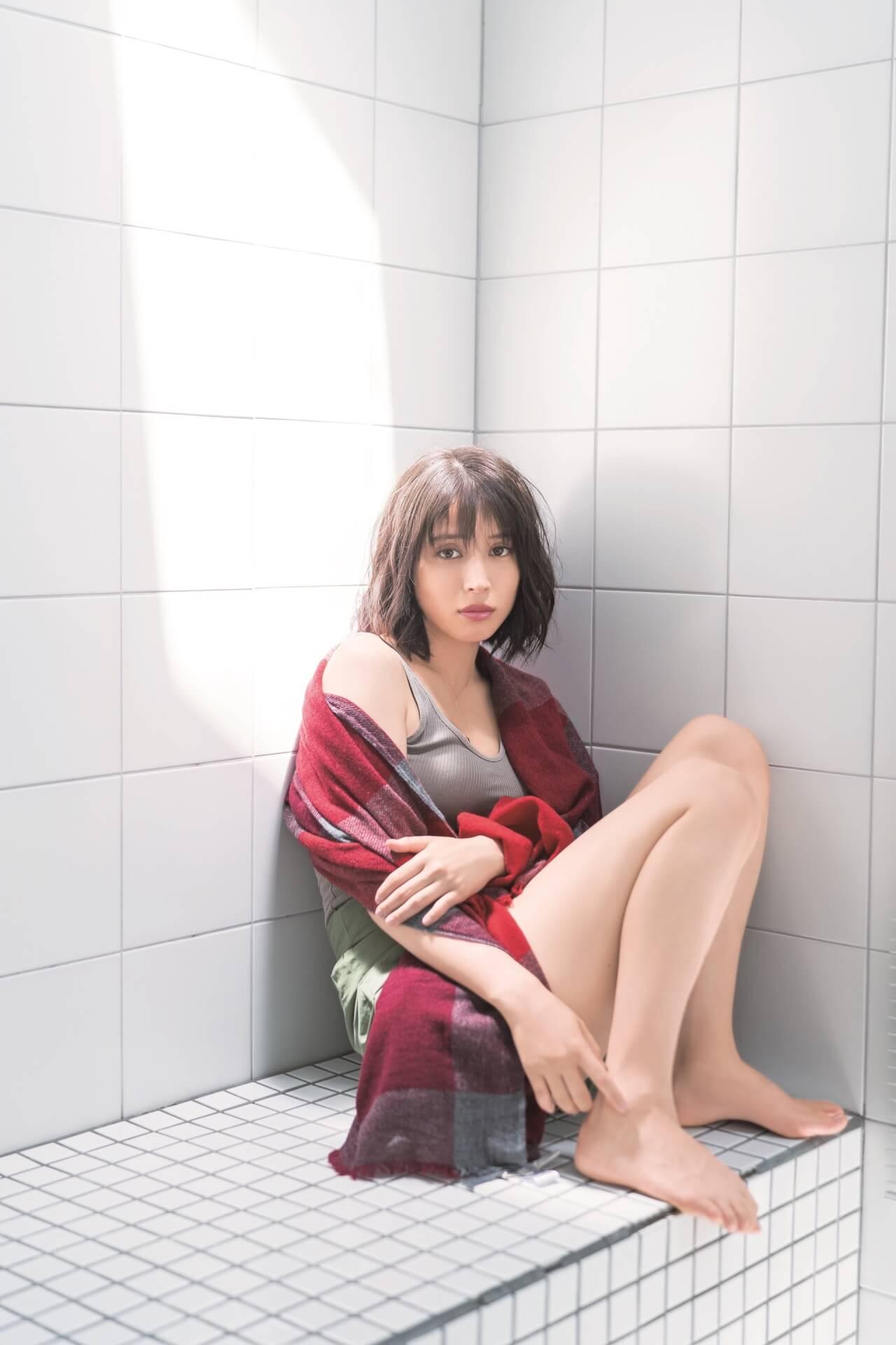 広瀬アリスがセクシーさも感じられるカットを公開!2020年カレンダー発売イベントで「全部屋に飾ってほしい」 art191111_hirosealice_1