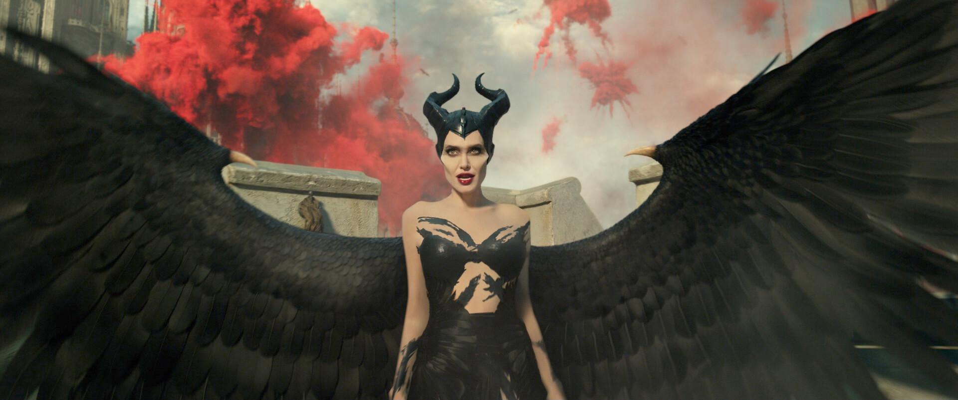 """新次元の上映システム""""ScreenX""""で、マレフィセントと大空へ!『マレフィセント2』公開に先駆け、ScreenX版・特別映像が到着 film191015_-Maleficent2_01"""