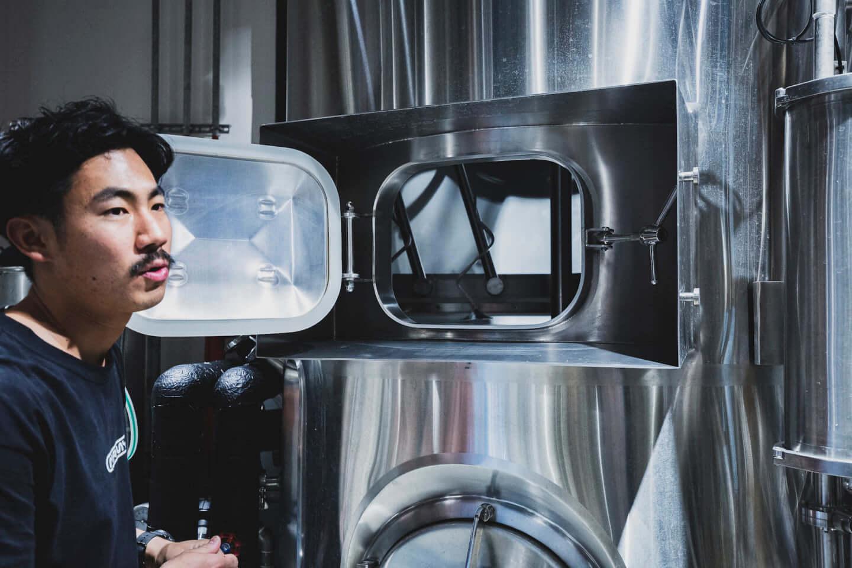 ジミー・イート・ワールドをイメージしたクラフトビールが誕生!「ジミー・ドリンク・ワールド」に込められた工夫と想いとは? 614A7307-1440x960