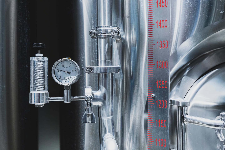 ジミー・イート・ワールドをイメージしたクラフトビールが誕生!「ジミー・ドリンク・ワールド」に込められた工夫と想いとは? 614A7310-1440x960