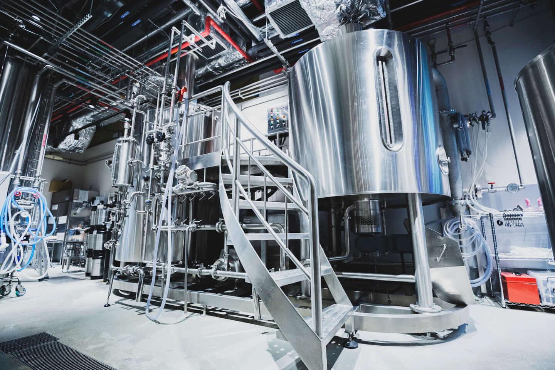 ジミー・イート・ワールドをイメージしたクラフトビールが誕生!「ジミー・ドリンク・ワールド」に込められた工夫と想いとは? 614A7320-1440x960