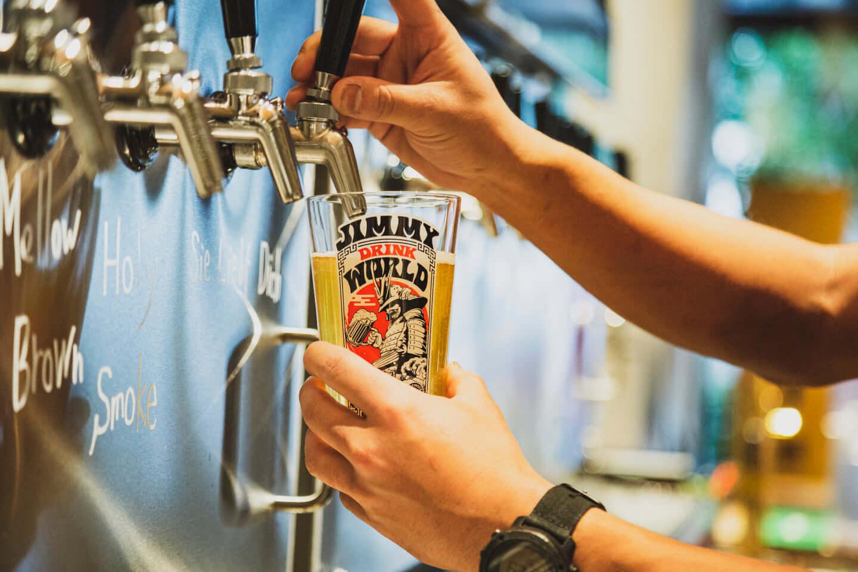 ジミー・イート・ワールドをイメージしたクラフトビールが誕生!「ジミー・ドリンク・ワールド」に込められた工夫と想いとは? 614A7346-1440x960