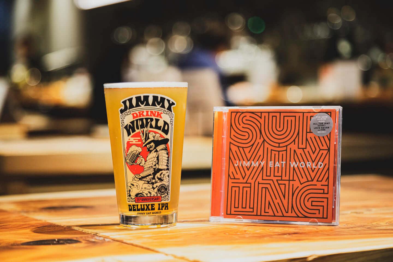 ジミー・イート・ワールドをイメージしたクラフトビールが誕生!「ジミー・ドリンク・ワールド」に込められた工夫と想いとは? 614A7372-1440x960