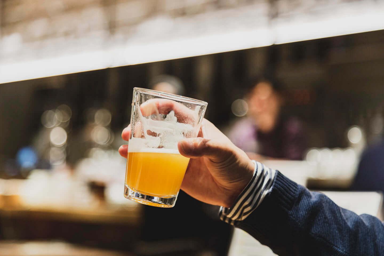 ジミー・イート・ワールドをイメージしたクラフトビールが誕生!「ジミー・ドリンク・ワールド」に込められた工夫と想いとは? 614A7388-1440x960