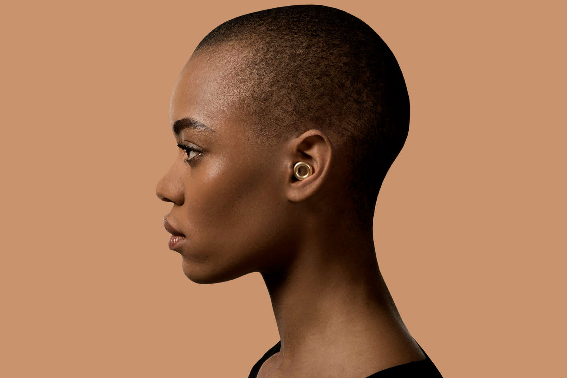 音楽を愛する全ての人の「耳」を守る、イヤリングのようなイヤープラグ『LOOP』が発売決定 tech191119_loop0-1920x1280