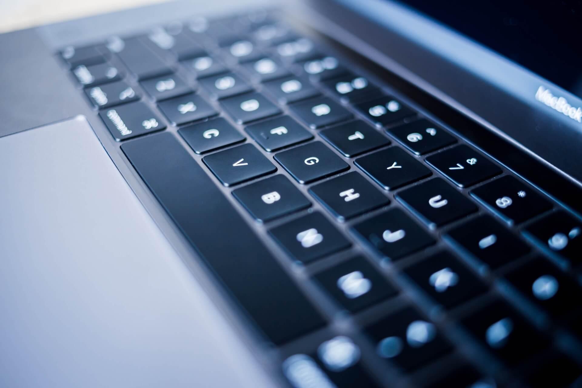 Apple、今度は13インチMacBook Proを刷新?来年シザー式キーボード導入モデル発表か tech191120_macbookpro_13_main