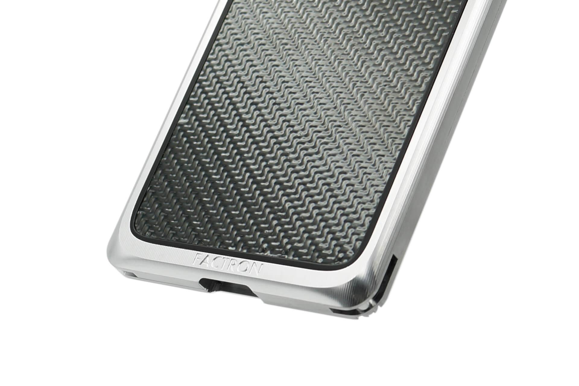 航空機にも使われる強固なジュラルミン素材を使用したiPhone 11Pro/11Pro Max用ケースが新発売! FACTRON_iPhone11Pro_SIMPLEX_03