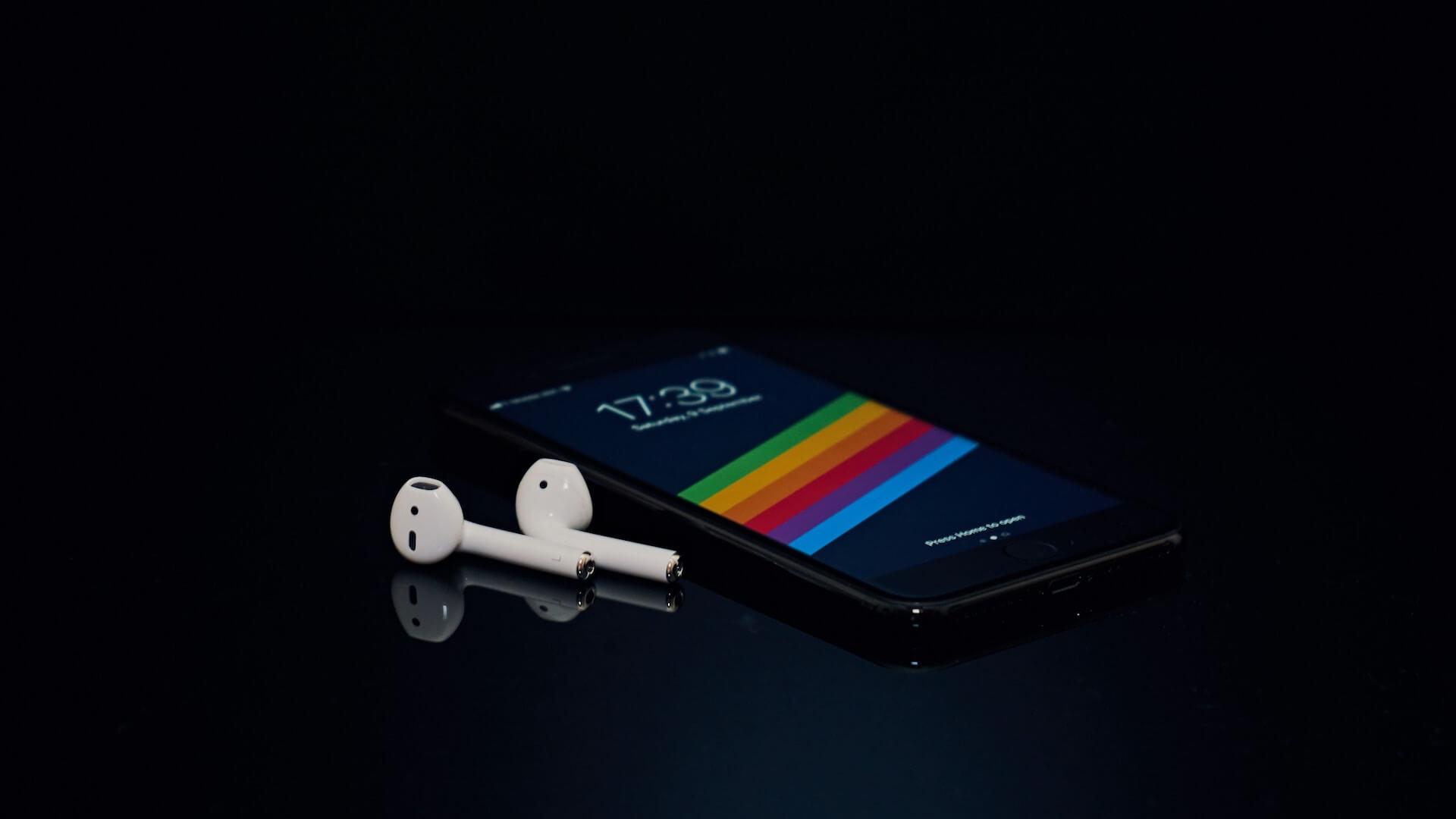 2020年発売のiPhoneには、AirPodsが付属する?Xiaomi、Samsungも自社スマホにワイヤレスイヤホンを同封か tech191202_iphone_airpods_1
