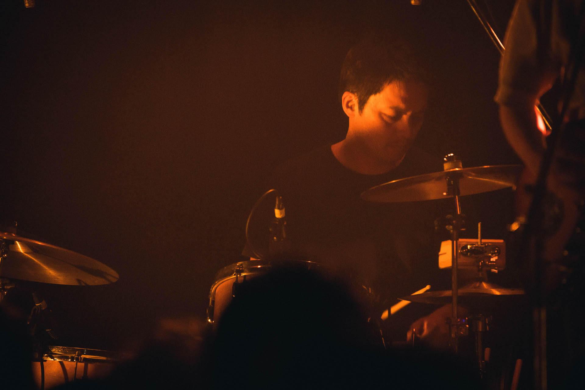 世界を旅するバンドが魅せるサイケデリアのまどろみ 幾何学模様 × OGRE YOU ASSHOLE ライブレポート music191103-kikagakumoyo-ogreyouasshole-2