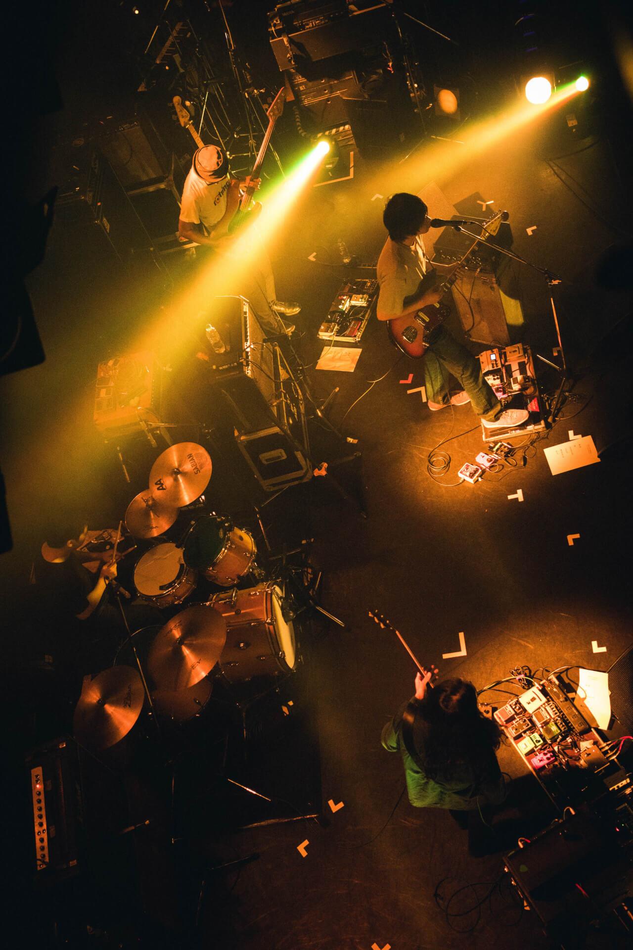 世界を旅するバンドが魅せるサイケデリアのまどろみ 幾何学模様 × OGRE YOU ASSHOLE ライブレポート music191103-kikagakumoyo-ogreyouasshole-9