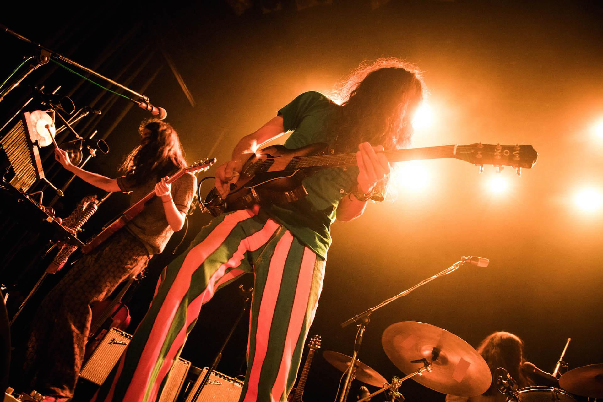 世界を旅するバンドが魅せるサイケデリアのまどろみ 幾何学模様 × OGRE YOU ASSHOLE ライブレポート music191103-kikagakumoyo-ogreyouasshole-7-1