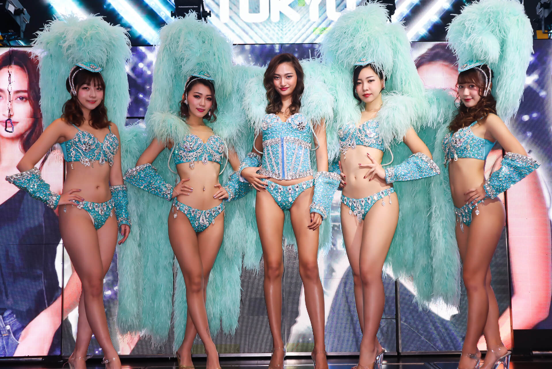 10頭身モデル・香川沙耶がバーレスクショーで美スタイルを惜しげなく披露! art191209_kagawasaya_13