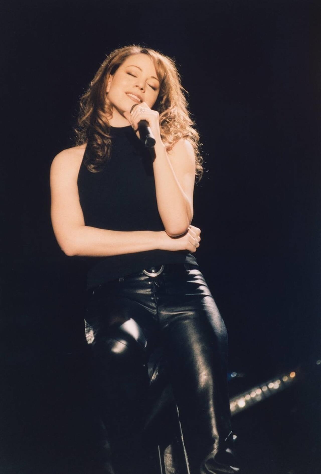マライア・キャリー「恋人たちのクリスマス」が発売から25年を経て全米シングル・チャート初の1位を獲得|ホリデー・ソングがチャート首位を獲得するのは史上初 music191217-mariah-carey-3