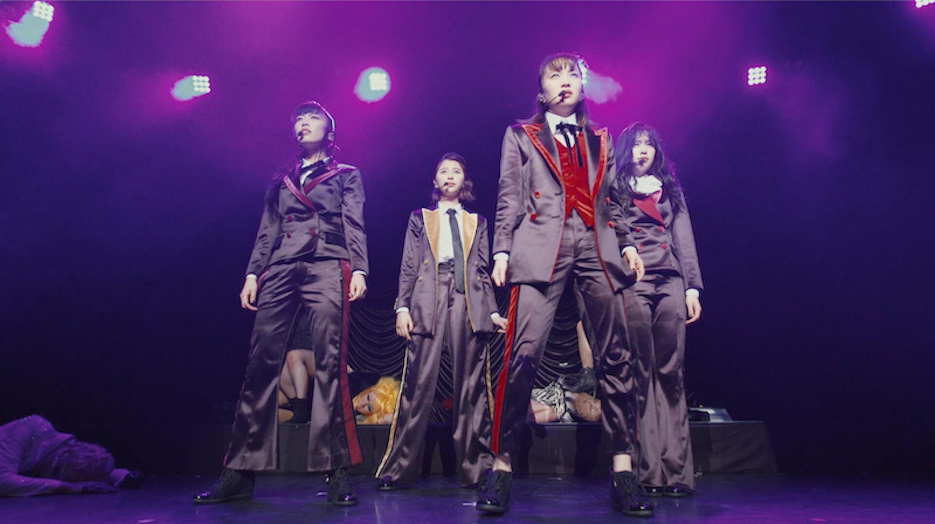 ももクロ、スーツ姿で決めるプレミアムライブのティーザー映像第2弾が解禁!メンバーによるオーディオコメンタリーも収録決定 music191219_momokuro_10