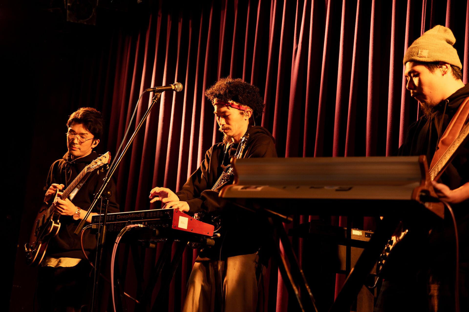 SIRUP擁する次世代アートコレクティブ・Soulflex、初のワンマンライブで地元大阪を魅了|ビルボードライブでのShin Sakiuraとのツーマンライブも発表 music_191220_soulflex2